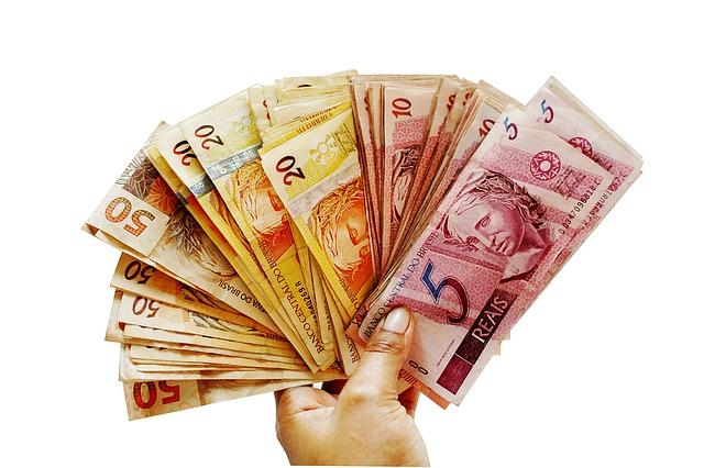 salário-dinheiro-funcionário-público-servidor-melhores-concursoaprovado-com-aprovado Vantagens de ser um funcionário público