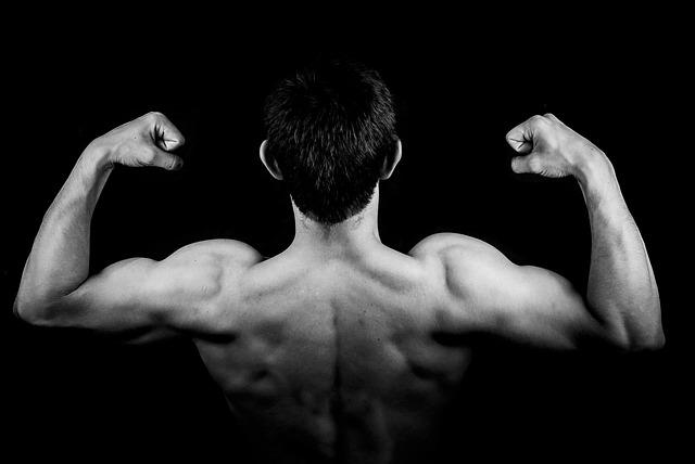 homem-musculo-motivacao-para-estudar-para-concursos